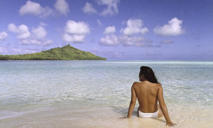 Jennifer in Paradise.tif ñ the first photoshopped picture Brothers Knoll sent over their original Je